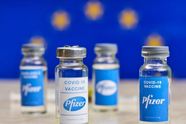 Kompanija Fajzer ove nedelje isporučuje duplo manju količinu vakcina protiv kovida 19 nekim članicama EU nego što je dogovoreno.
