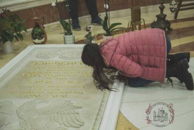 Dara u podgorici na grobu Anfilohija